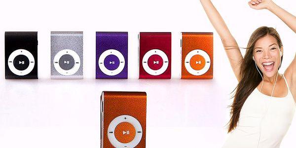 Stylový kompaktní přehrávač se sluchátky a USB kabelem v ceně – barevné varianty