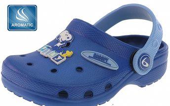 Detské modré gumové papuče Beppi s vôňou