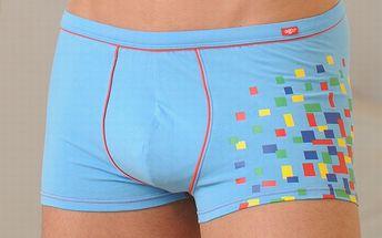 Pánske svetlo modré boxerky Agio s farebnými štvorčekmi