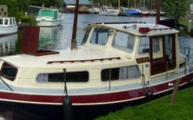 Týdenní dovolená na hausbótu v holandsku. Pronájem obytné lodě quo vadis nebo diva pro 4–6 osob. Neváhejte –poslední 2 kupony!