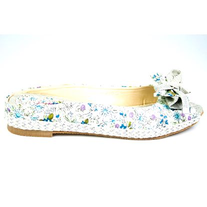 Dámske krémové papučky Sofiniel s modrým kvetinovým motívom