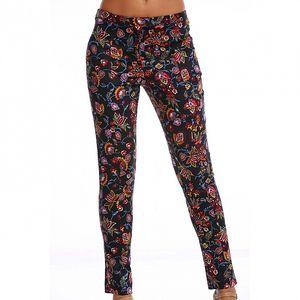 Dámske čierne nohavice Simonette s farebnou kvetinovou potlačou
