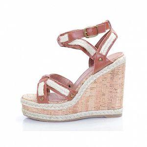 Dámské hnědé kožené sandály Sandalo na vysokém klínu