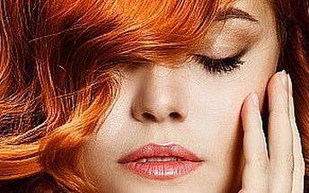 Farba s kompletnou regeneráciou s argánovo - keratínovým šampónom a maskou, strihom a záverečným stylingom