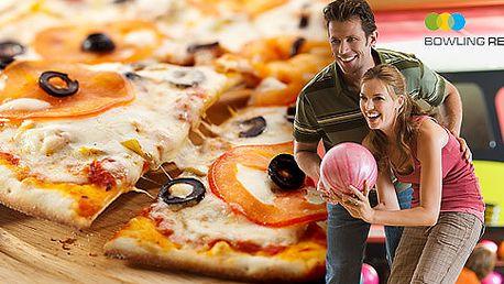 Dvě hodiny bowlingu a pizza