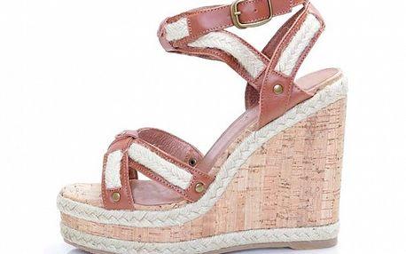 Dámske hnedé kožené sandále Sandalo na vysokom kline
