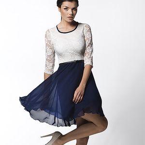 Modro-bílé šaty