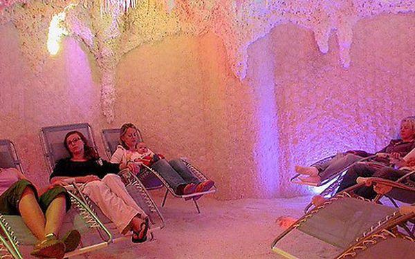 Dva vstupy do Jordánské solné jeskyně
