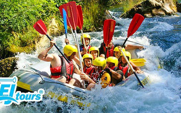Raftování na řece Moravě v čistých lesích