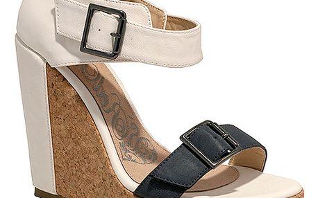 Dvoubarevné sandály na platformě