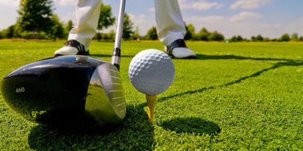 Golfový kurz pro začátečníky - máte perfektní možnost získat Osvědčení pro hru na hřišti v Golfcentru Hotelu Čechie. Zapůjčení holí + tréninkové míče - vše je v ceně kurzu.
