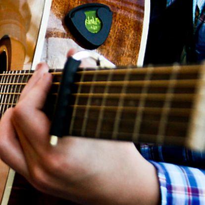 Naučte se přes léto hrát na kytaru