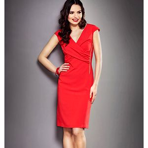 Červené šaty se sklady