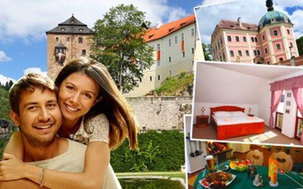 3denní ROMANTIKA pro 2 v penzionu Hradní Bašta v Bečově nad Teplou! Pobyt se SNÍDANĚMI i VEČEŘÍ.
