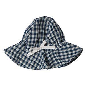 Černo-bílo kostkovaný klobouček