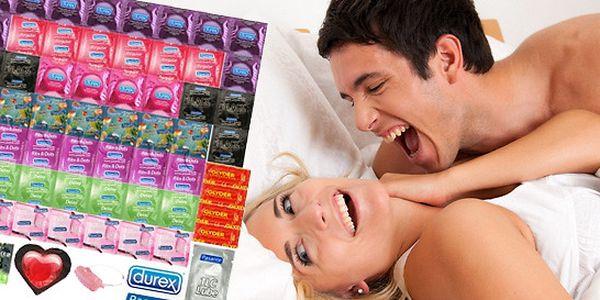 Maxi balíčky kondomů Durex a Pasante