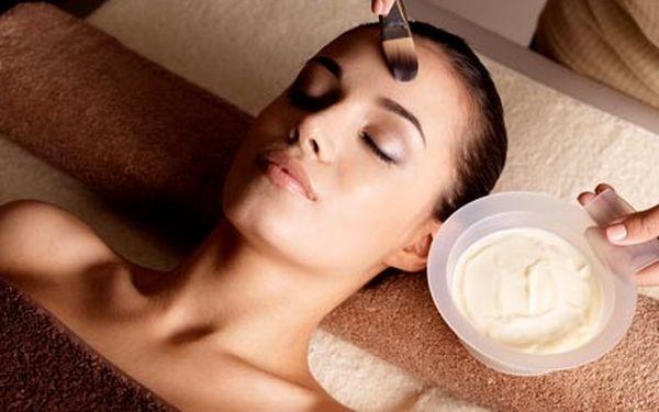 Hodinové kosmetické ošetření pleti s hloubkovým či...