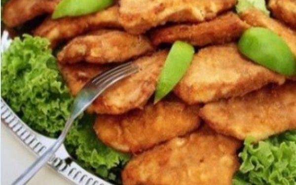 Řízkový sen - 1kg vepřových a kuřecích řízků, pečovo a okurky