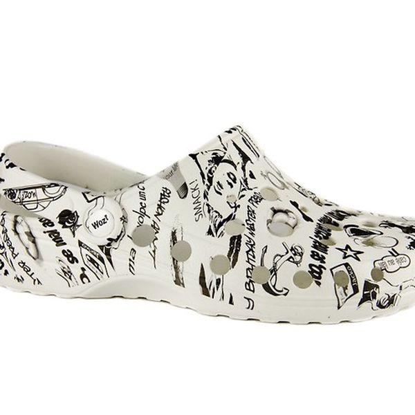 Bílé pantofle Woz? s černým potiskem