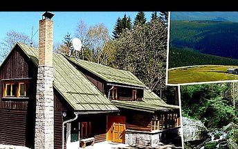 RELAX v JESENÍKÁCH pro DVA s free vstupem do sauny se slevou 57 %: Prožijte 3 nebo 5 dní v krásném, klidném prostředí, s ubytováním na chatě PAPAJUCHA včetně snídaně + možnost venkovního posezení, grilování a návštěvy turisticky lákavých míst v bezprostředním okolí.