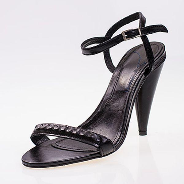 Celokožené černé páskové boty