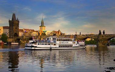 Romantická plavba po Vltavě s welcome drinkem se slevou 50 %