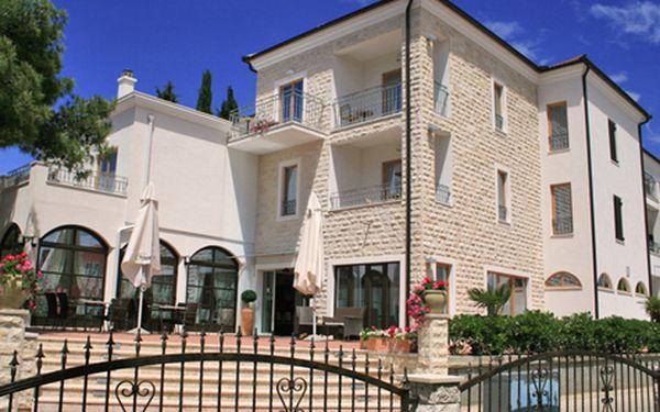 Letní týdenní dovolená v Severní Dalmácii v luxusním hotelu s polopenzí