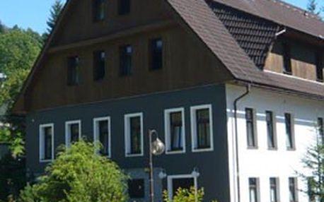 5denní ubytování pro 2–4 osoby v Jizerských horách! Pobyt s polopenzí + sauna, vstup do aquaparku, jízda na bobové dráze, projížďka na koni a další bonusy – ***HOTEL PERLA JIZERY