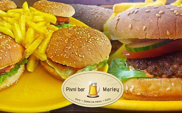 Čtyři kvalitní burgery a čtvery hranolky