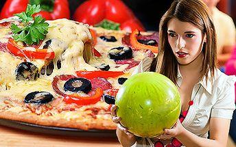 Hodina bowlingu a pizza či salát