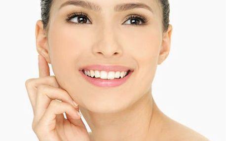 Luxusní kosmetické ošetření s líčením a masážemi.