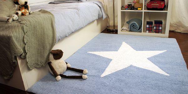 Modrý koberec s bílou hvězdou 120x160 cm