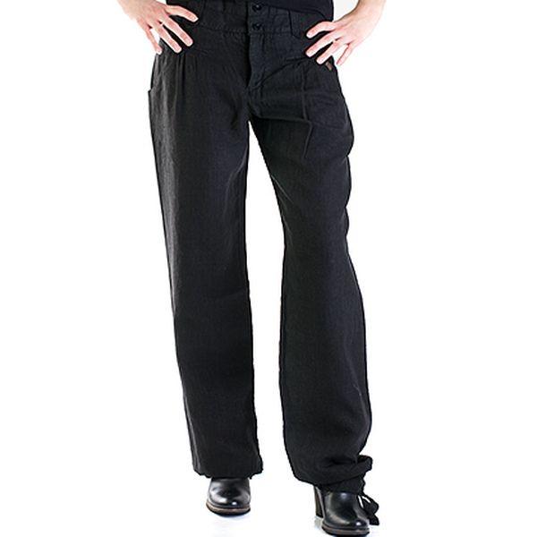 Černé kalhoty se širokými nohavicemi