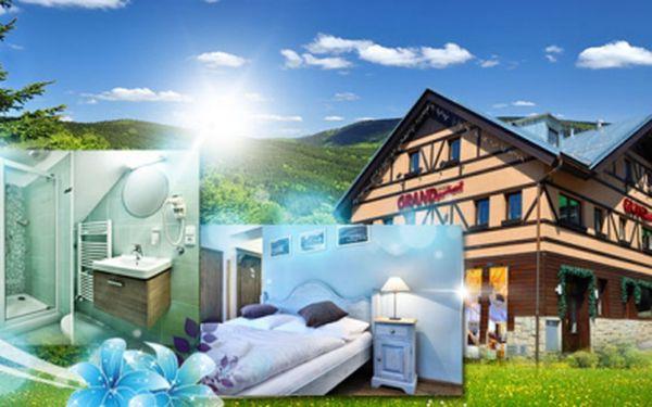 Luxusních 8 dní ve dvou v exkluzivním hotelu grand apartments**** ve špindlerově mlýně se snídaněmi, finskou saunou, lahví vína a zapůjčením koloběžek za 5990 kč! Letní dovolená v malebných krkonoších se slevou 56%!
