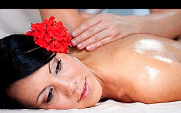 Sportovně-rekondiční, Breussova nebo Dornova masáž v délce 60 minut za skvělou cenu 299 Kč v salonu Chiero v Praze. Vyberte si 1 ze 3 báječných procedur a dopřejte svému tělu maximální fyzickou i psychickou úlevu.