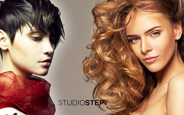 Perfektní vlasy - barva nebo melír v centru