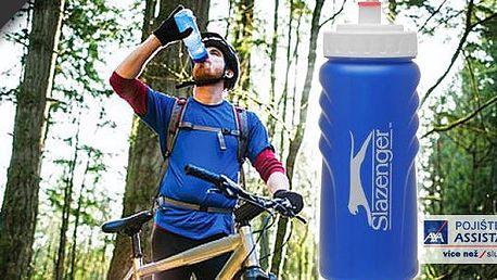 Jezdíte rádi na kole? To se vám bude určitě hodit láhev na kolo Slazenger - malá plastová lahev obsahuje šroub s kohoutem pro snadné plnění, měřicí systém běží směrem dolů a logo značky Slazenger pro sportovní vzhled!