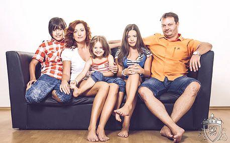 Krásny a profesionálny rodinný portrét