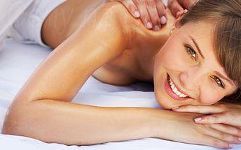 Reflexná uvoľňujúca masáž chrbta