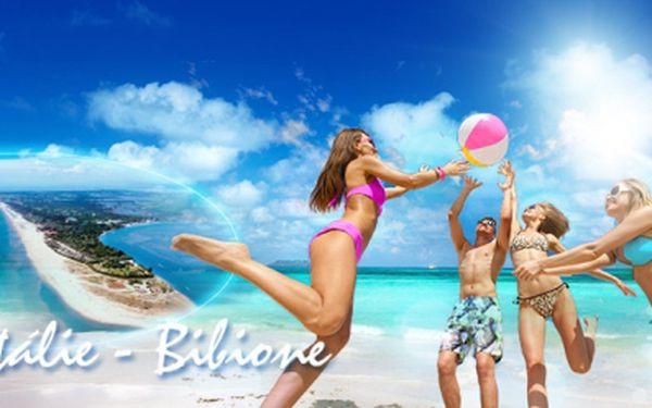 Pojeďte s námi na otočku do Itálie - Bibione za 1220 Kč! Termín: 6.9. - 8.9.2013! DOPRAVA luxusním klimatizovaným autobusem v ceně! Užijte si celodenní opalovačku u průzračného moře na překrásných písčitých plážích!