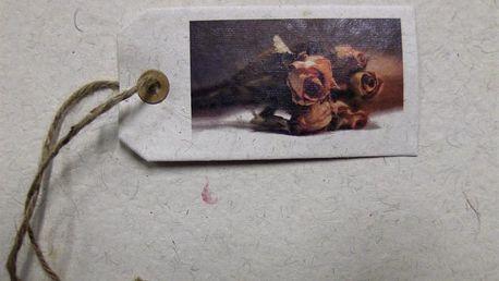 Papírové jmenovky s růžemi