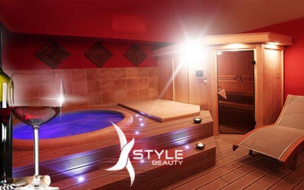 Luxusní privátní wellness na praze 2! 2 hodiny pro 2 osoby v privátní sauně, vířivce a k tomu láhev vína a osušky! To vše jen za 799 kč! Užijte si romantické chvíle v nádherném studiu x-style beauty! Sleva 69%!