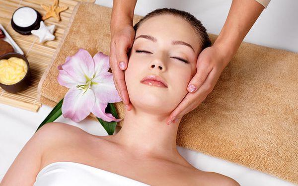 Profesionální péče o Vaši pleť s masáží celých nohou