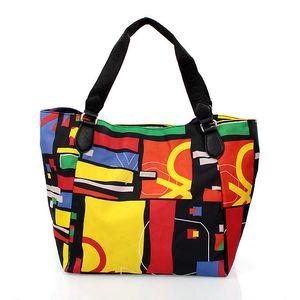 Dámská taška United Colors of Benetton s barevným potiskem