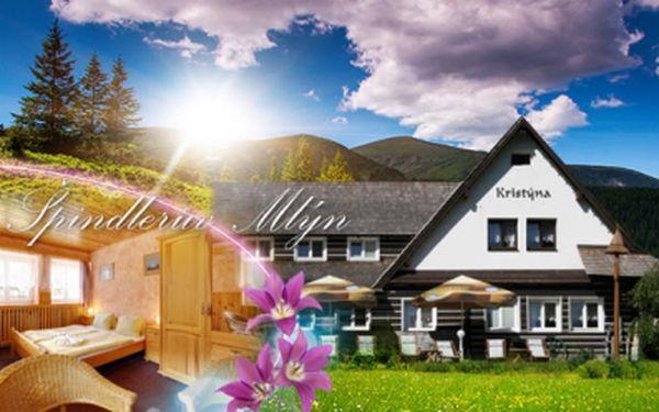 Romantické 3 DNY PRO DVA včetně POLOPENZE A SAUNY v krásném Hotelu Kristýna ve Špindlerově Mlýně za 2299 Kč! Užijte si malebnou přírodu Krkonoš v centru všeho dění! Túry, cyklovýlety, vodopády, aquapark a další! Sleva 46%!