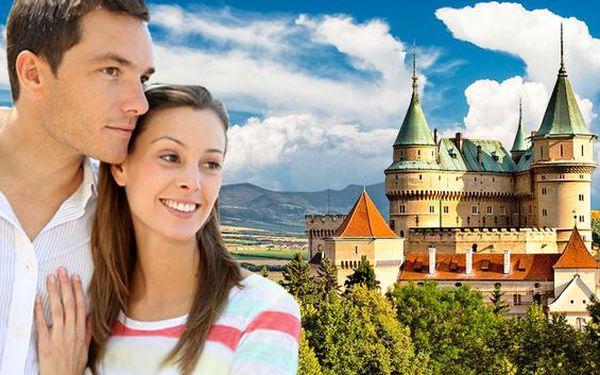 Bojnice a romantický pobyt pod pohádkovým zámkem. Užijte si masáže v hotelu Regia s polopenzí a s možností VÁNOČNÍHO nebo SILVESTROVSKÉHO termínu! Odpočiňte si u termálních a minerálních pramenů na Slovensku.