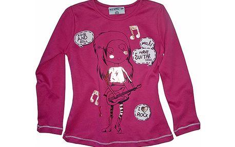 Růžové tričko kytara
