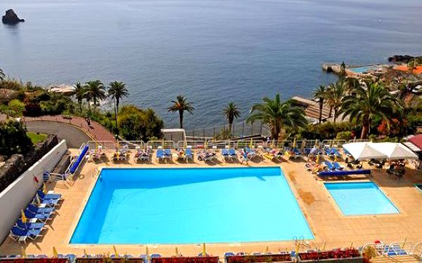 Fantastická dovolená na Madeiře. Letecky na 8 dní se snídaněmi. **** Hotel. Garance kvality INVIA.cz