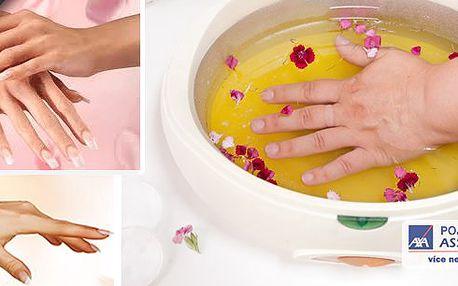 Mějte ruce jako pravá dáma! Parafínový zábal rukou s masáží a jemným peelingem - 30 minut! V Relax clubu u metra Hradčanská