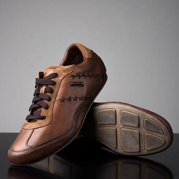 Světle hnědé pánské kožené boty s tkaničkou
